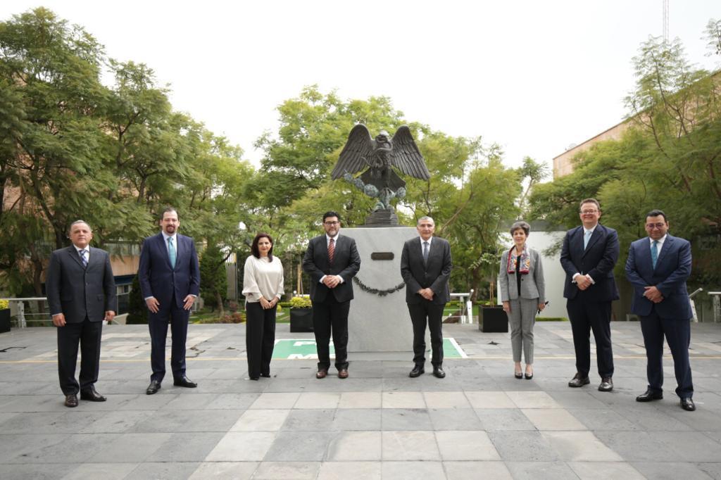 Magistradas y magistrados del TEPJF reciben al secretario de Gobernación en visita institucional