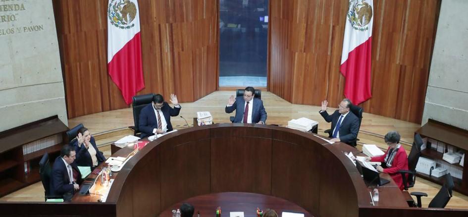 TEPJF ordena a Morena fundamentar candidatura de Miguel Barbosa como candidato en Puebla