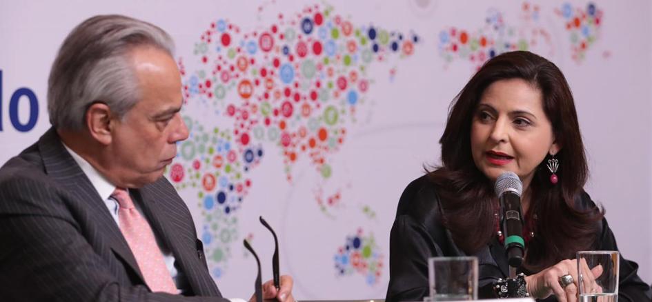 Las Tesis de Chile, referente del verdadero estado de la democracia: Mónica Soto Fregoso