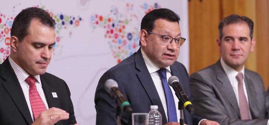 No hay dudas entre optar o no por la democracia: Felipe Fuentes Barrera